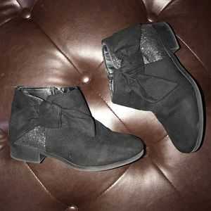 NINE WEST black bow boots with sparkles
